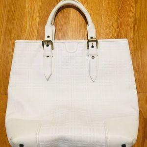 Gorgeous authentic Burberry shoulder bag